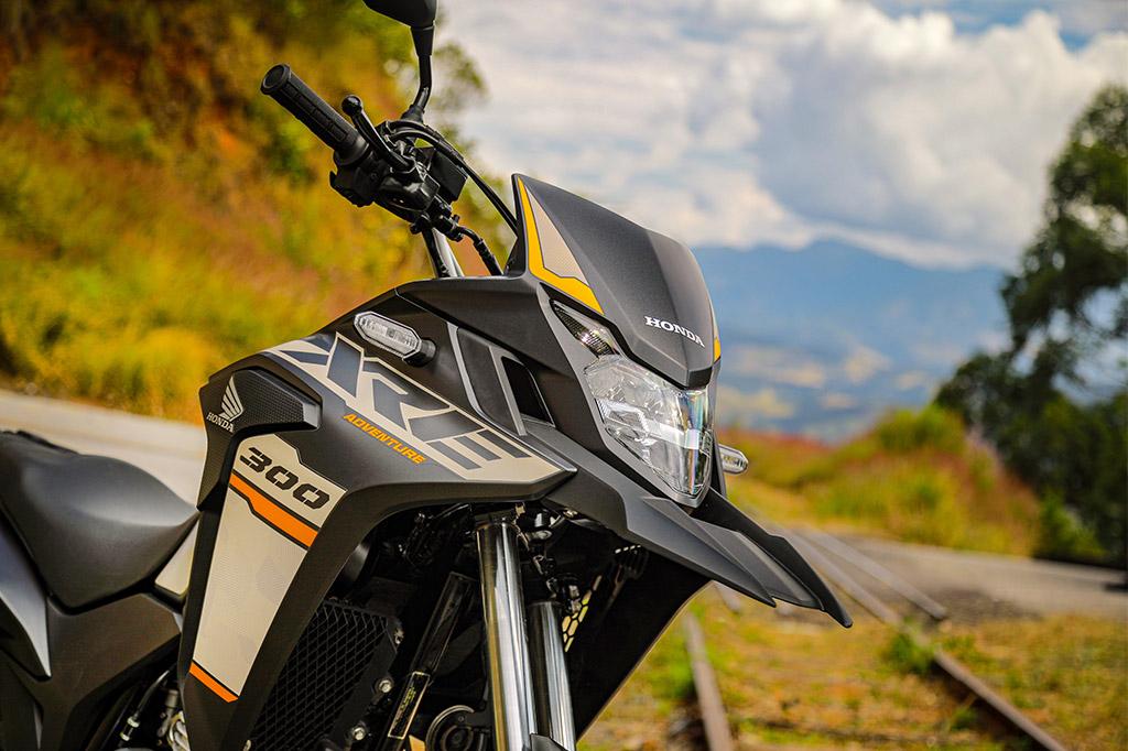 Conheça a aventureira Honda  XRE 300 2022