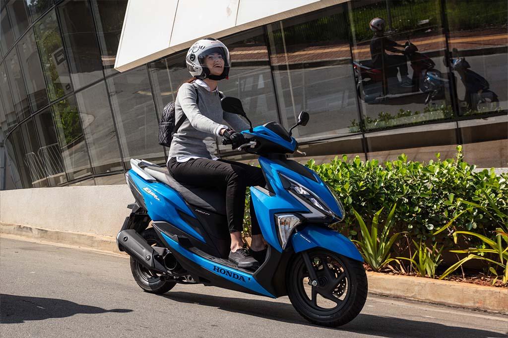 Descubra a moto Honda perfeita para a sua altura