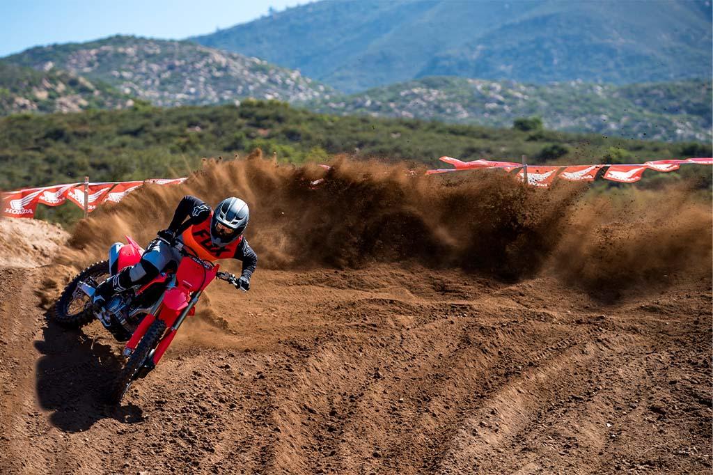 Aventure-se pelo mundo do Motocross com as motos Honda